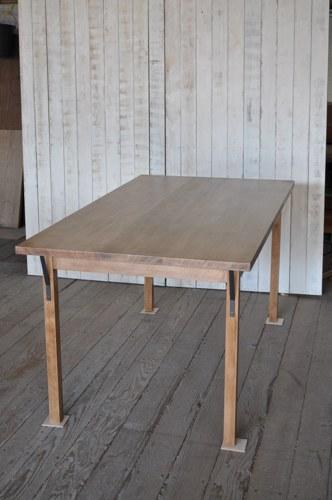 米ツガ材のダイニングテーブル