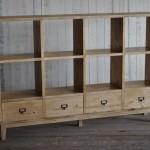 パイン材の本棚