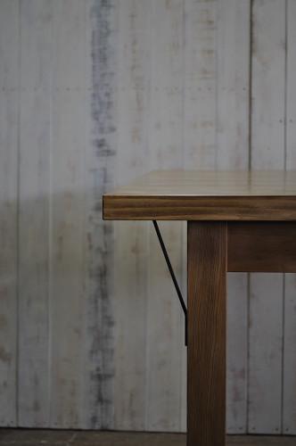 テーブルのアイアンパーツ
