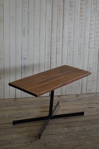 古材とアイアンのテーブル