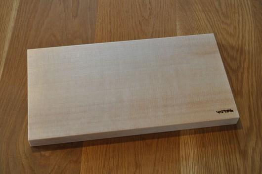 スプルス材のまな板