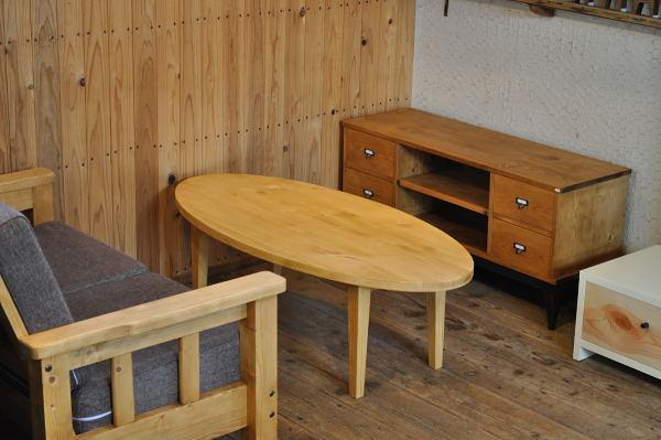 オーバルのセンターテーブル