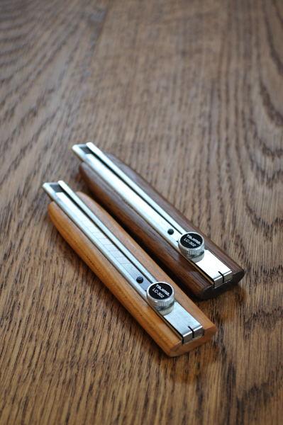 チェリー材のカッターナイフ