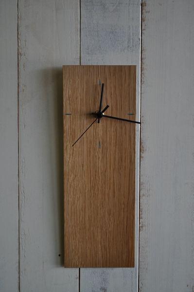 オーク材のシンプルな時計