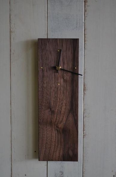 シンプルな木製時計